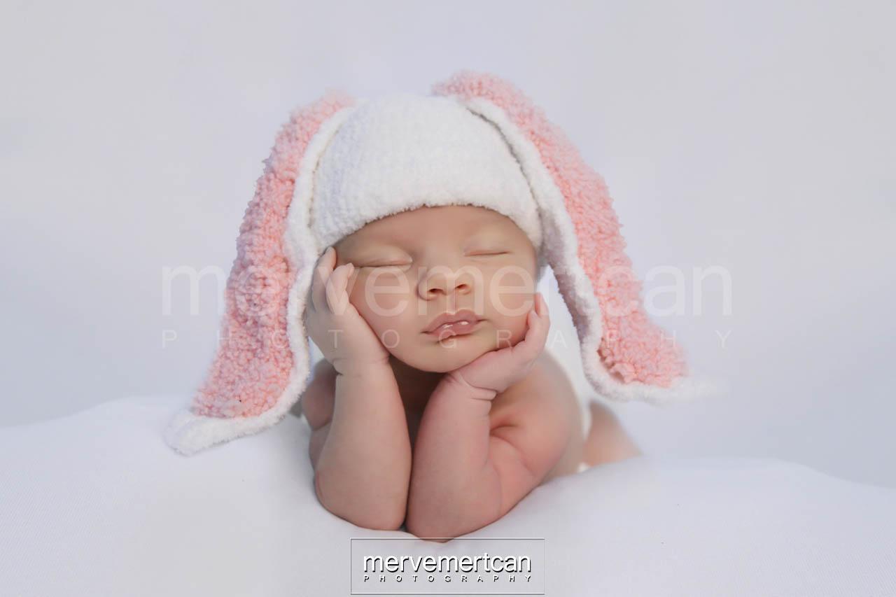 Tavşan Kostümlü Bebek